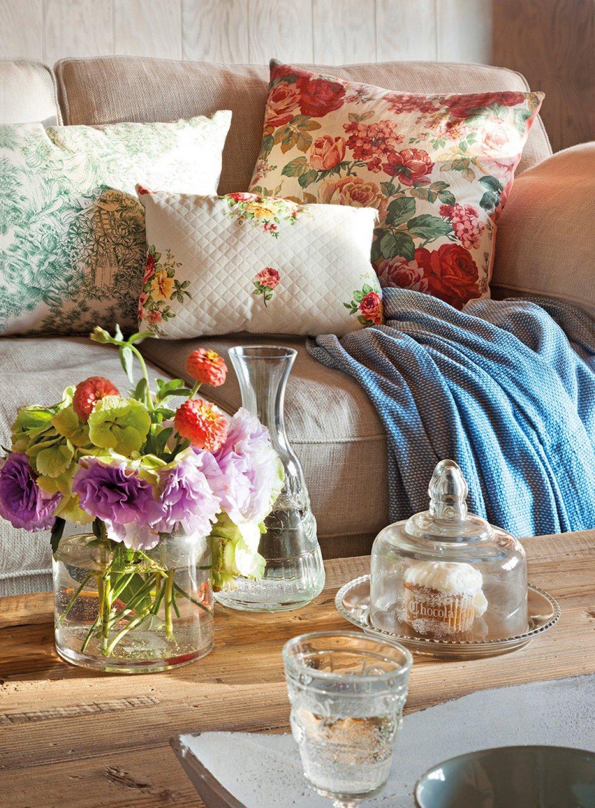 Букет весенних, цветок для домашнего уюта
