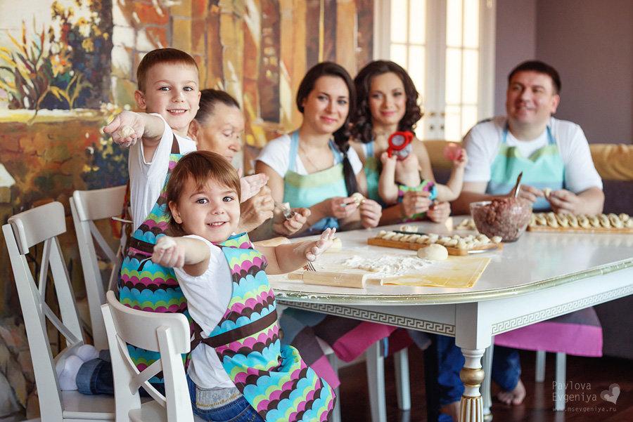 Руки, картинка семейные традиции