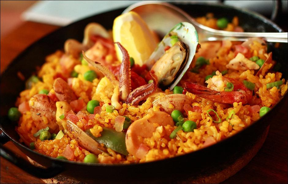 К тому же, желательно найти такой ресторан, в котором блюда из риса готовятся на дровах.
