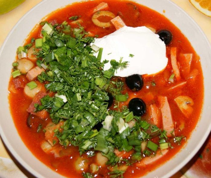 простой рецепт солянка с колбасой рецепт с фото