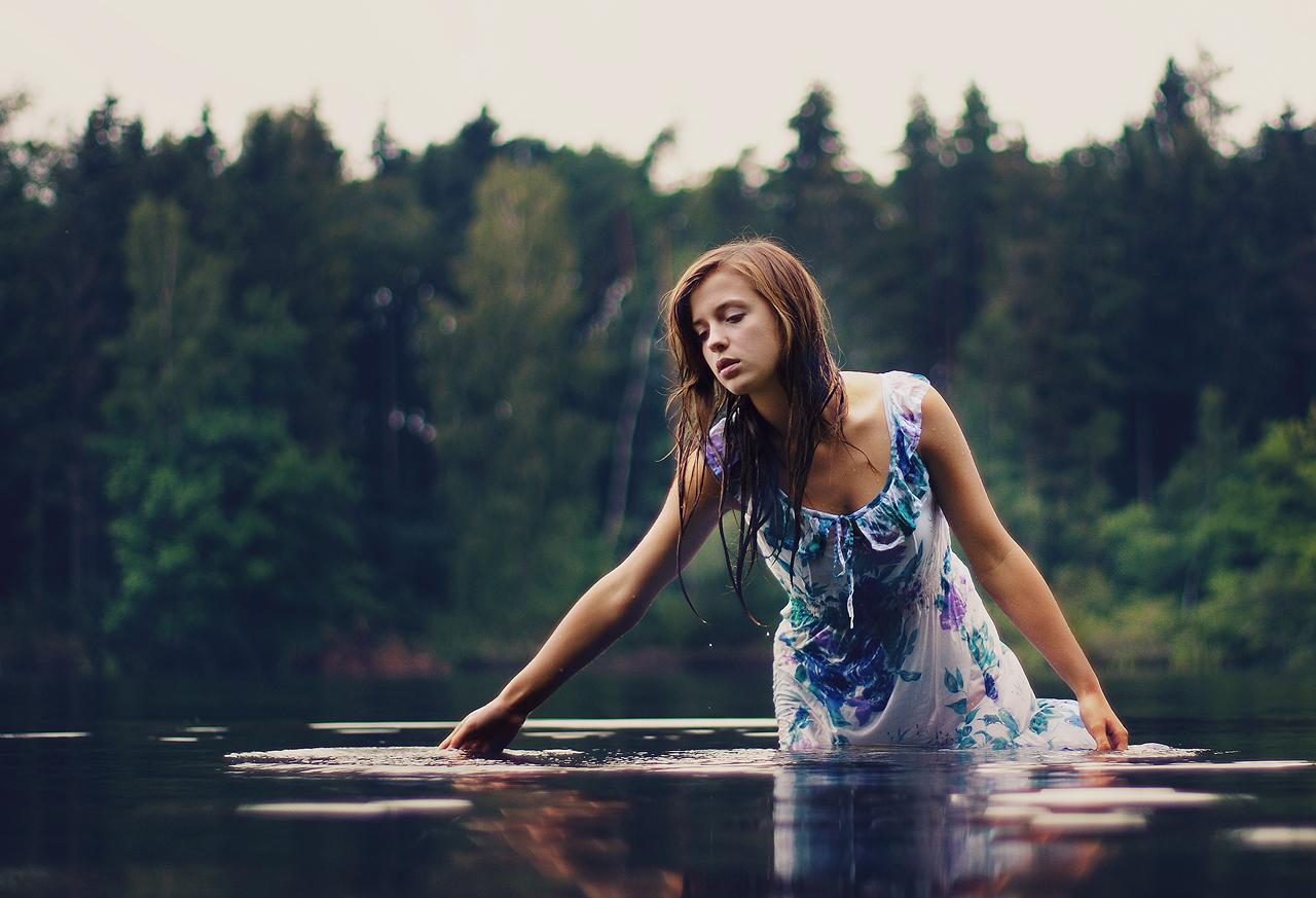 Девушка в озере — img 7