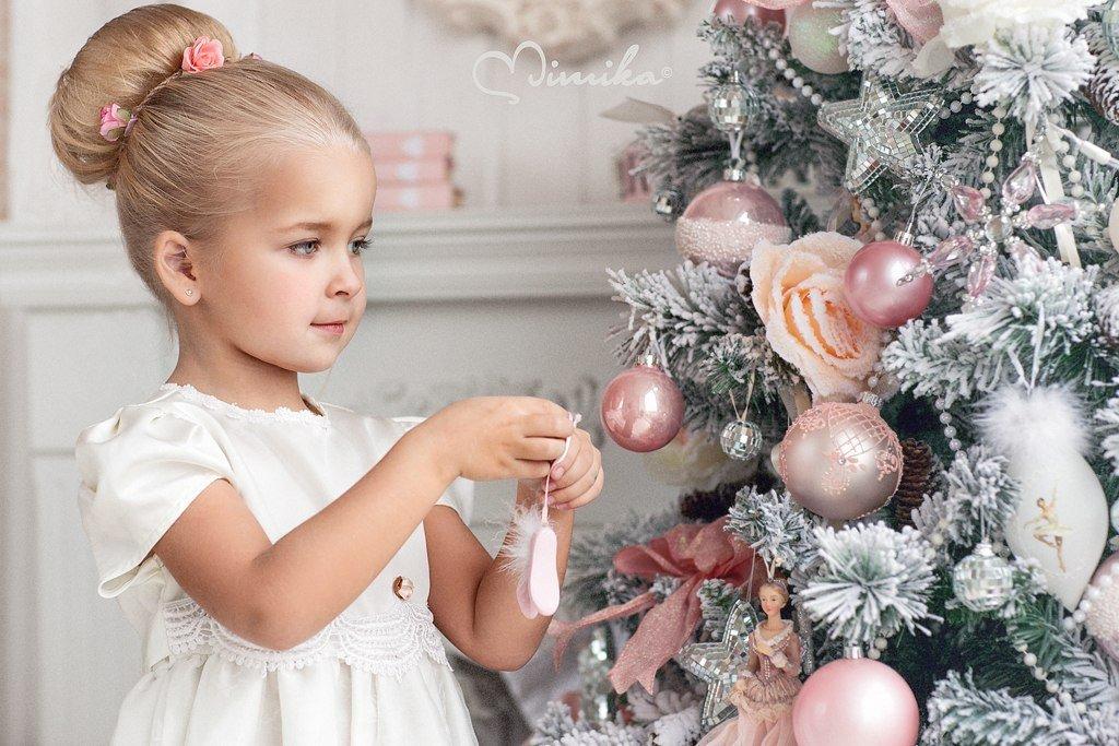 Картинки для девочек на новый год, именем кира