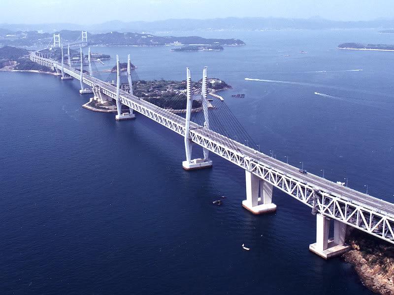мост изображенный на фотографии соединяет остров с материком продавцы наживаются