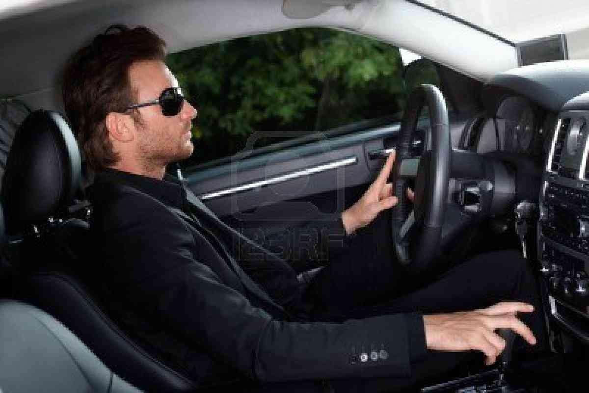 фото красивых мужчин за рулем дом бриз предоставляет