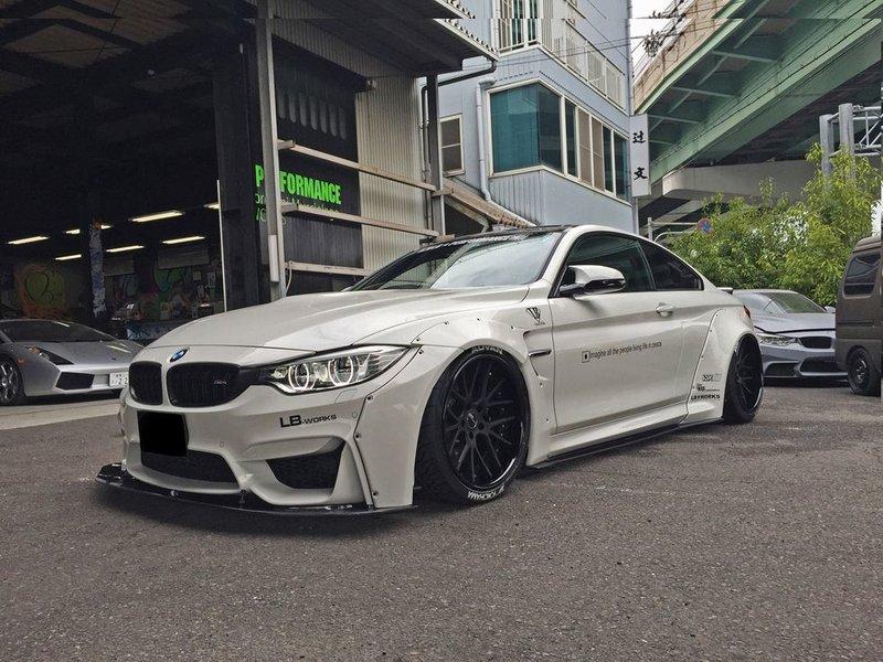 Liberty Walk расширили BMW M4