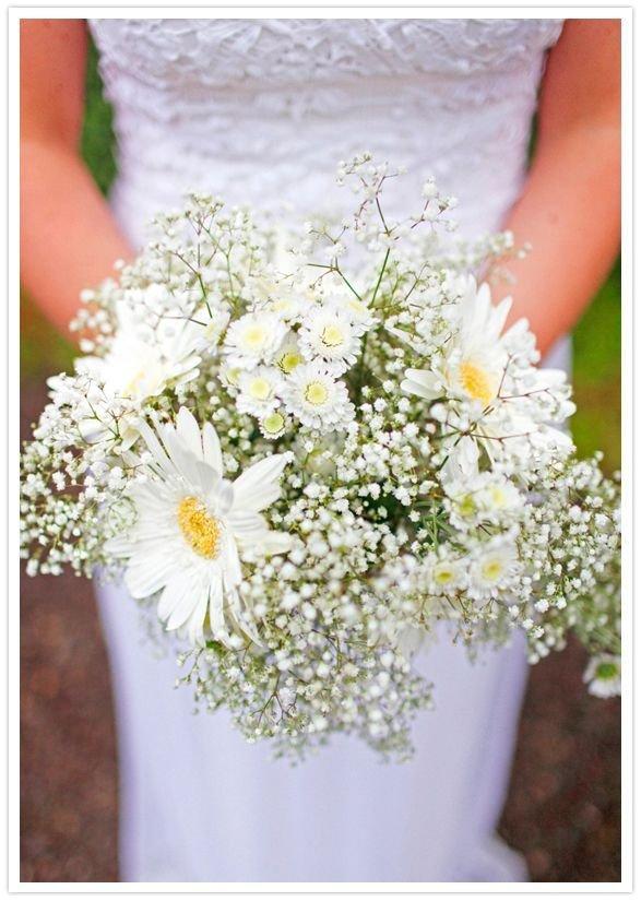 Ромашка в букете невесты