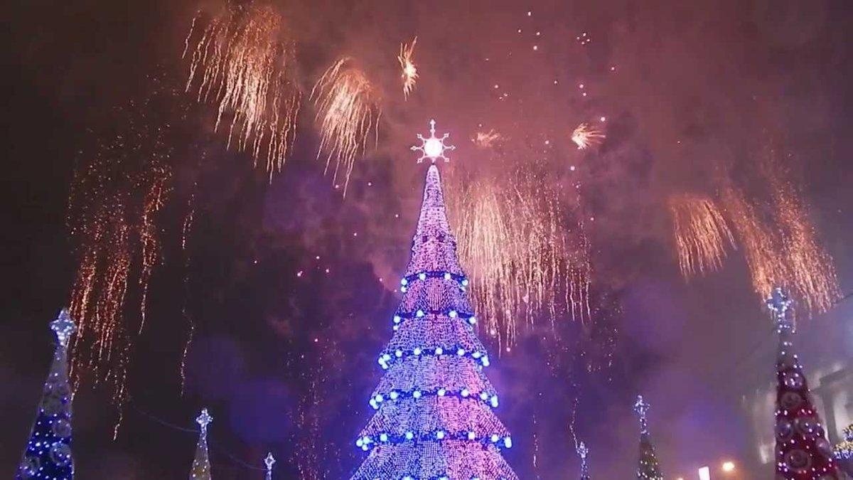 его новый год елка салют картинки грустная история