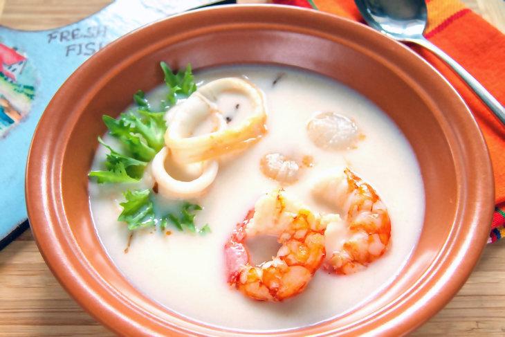 Крем-суп из цветной капусты с морепродуктами