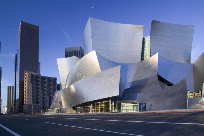 Концертный зал имени Уолта Диснея (Лос-Анджелес, США, архитектор Фрэнк Гери)