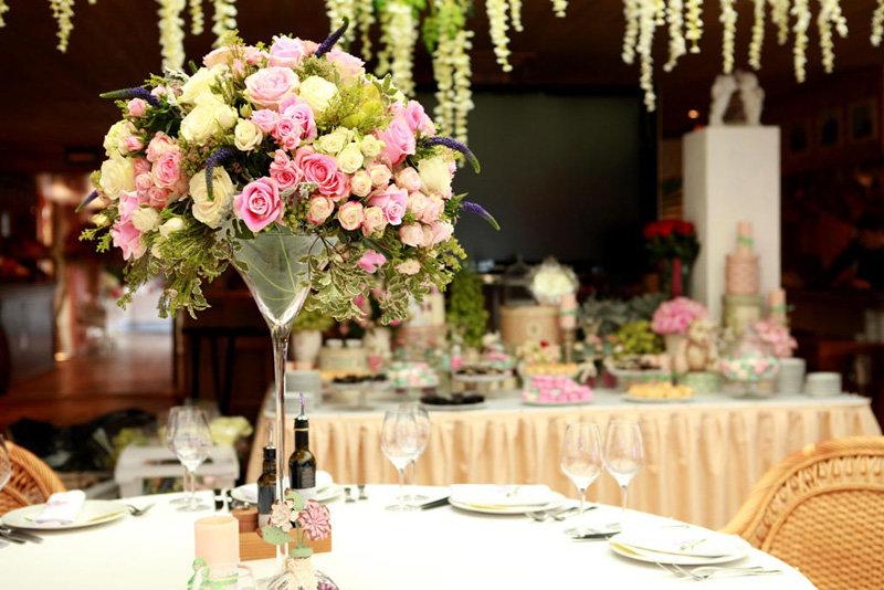 Нежный букет для свадебного стола