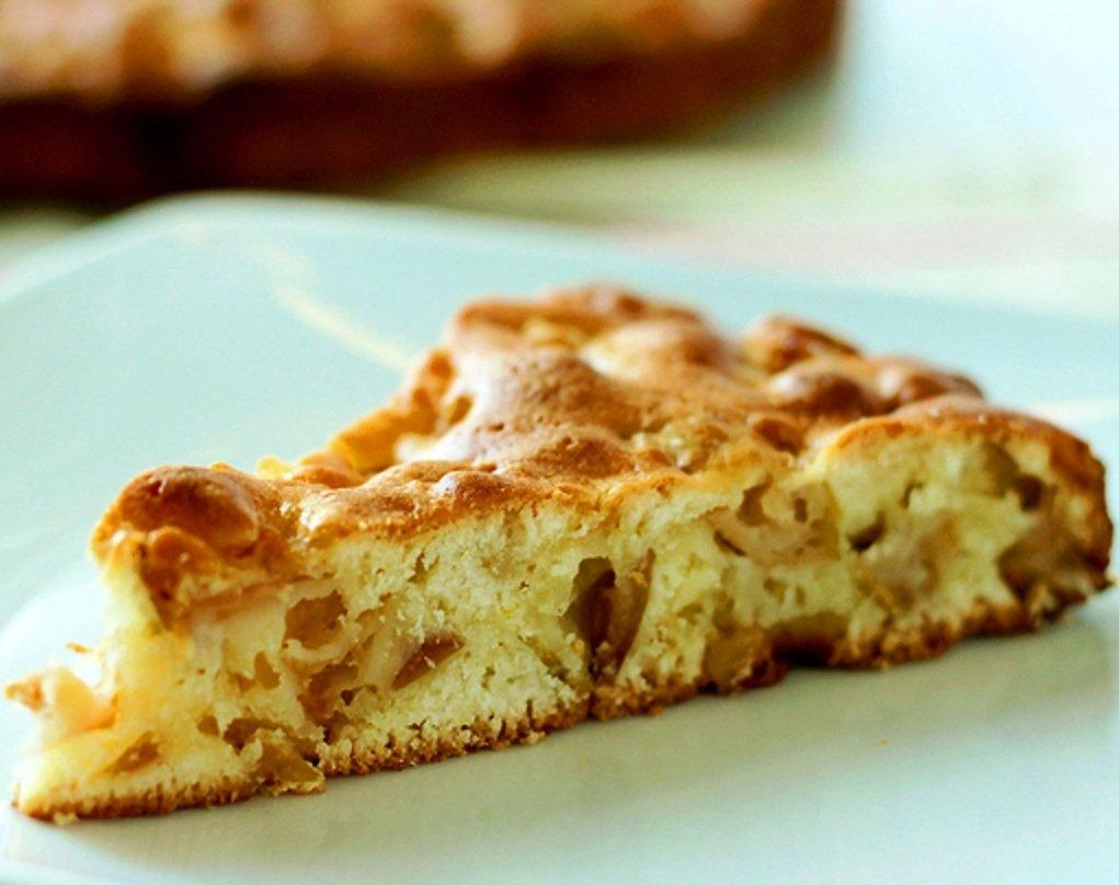 Рецепт пирога с яблоками в духовке представлен с фото пошагово, что делает процесс его приготовления простым и удобным.