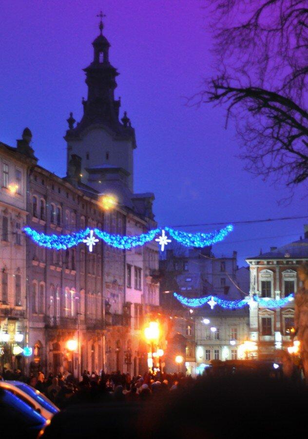 Впечатления про новогодний сказочный кофейно-шоколадный город Львiв. В России почему-то мало знают, что к красивейшим городам «шаговой доступности» можно…