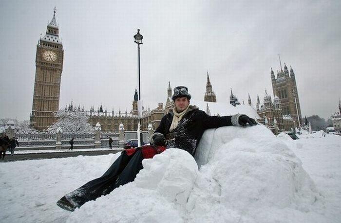 Для нас это в порядке вещей, а вот в Лондоне такому количеству снега очень удивились ) Для нас это в порядке вещей, а вот в Лондоне такому количеству снега очень удивились )