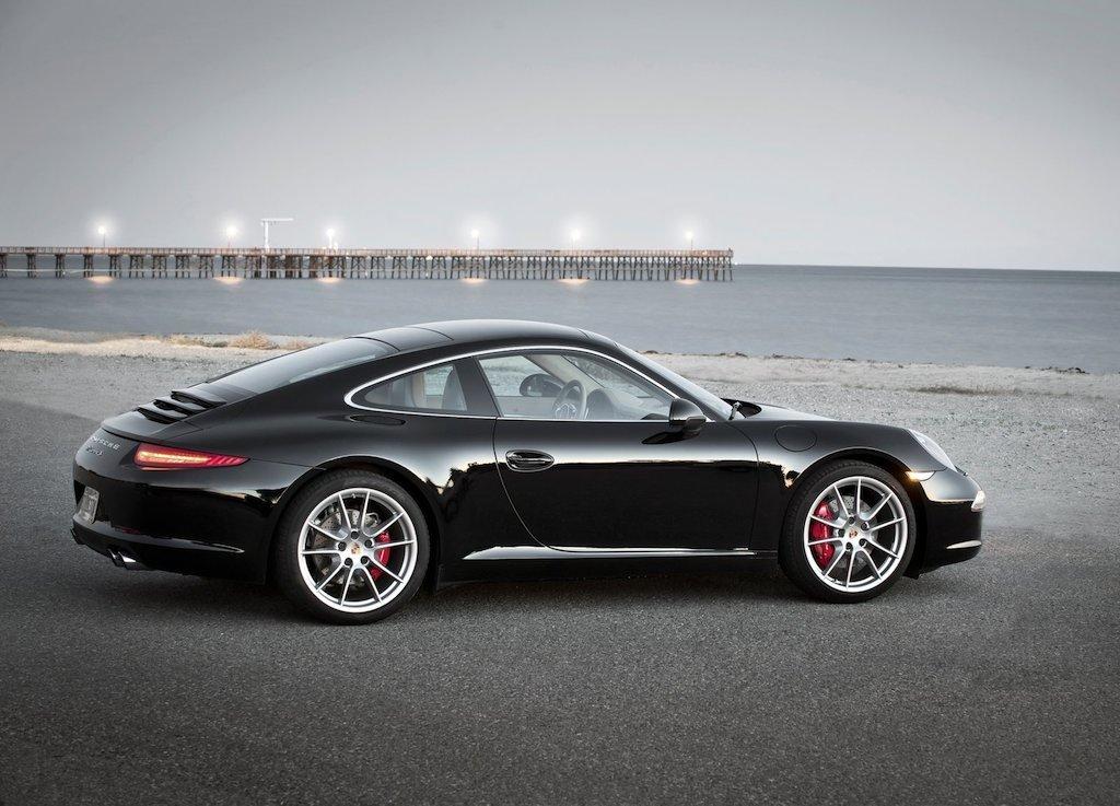 Porsche 911 991 Carrera S black