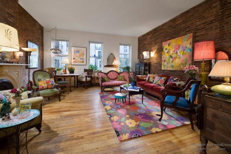 Цветной текстиль для мебели в интерьере в викторианском стиле