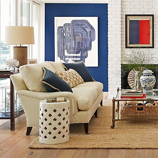 плетёный коврик нежный в гостиной
