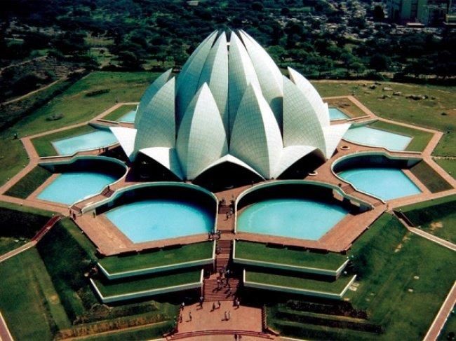 Храм Лотоса (Нью-Дели, Индия, архитектор Фариборз Сахба)