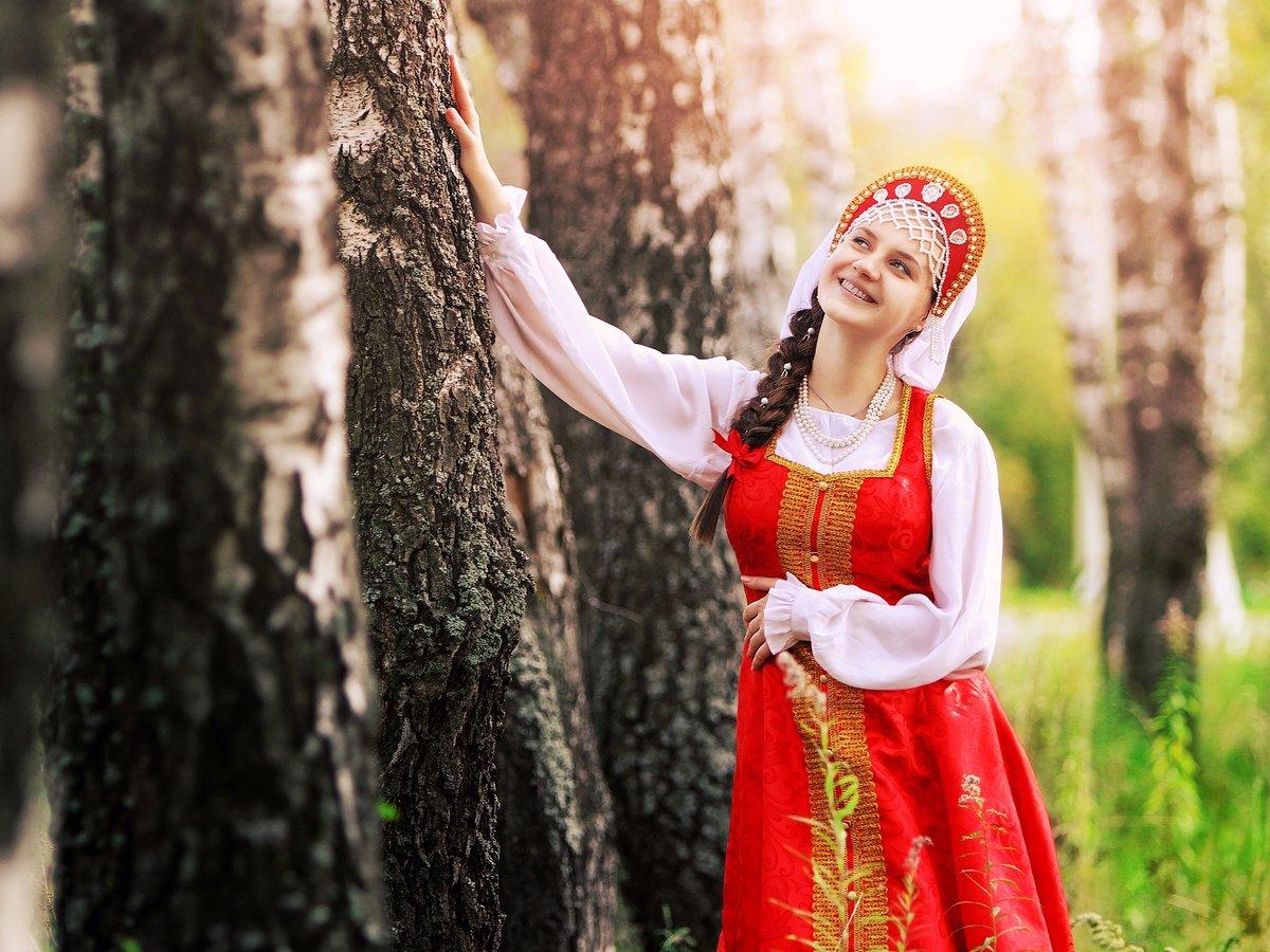 одевается девушка русская фото европы