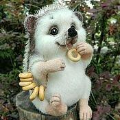 Куклы и игрушки ручной работы. Ярмарка Мастеров - ручная работа Ежик Тишка валяная игрушка из шерсти. Handmade.