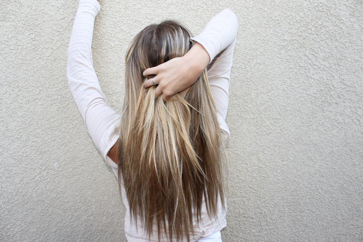 Открытки, картинки девушки спиной русые волосы красивые