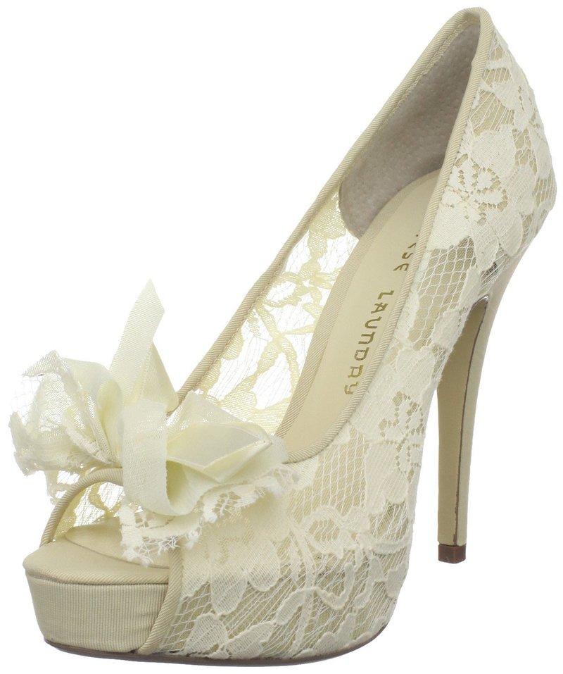 Кремовые кружевные свадебные туфли с открытым носом.