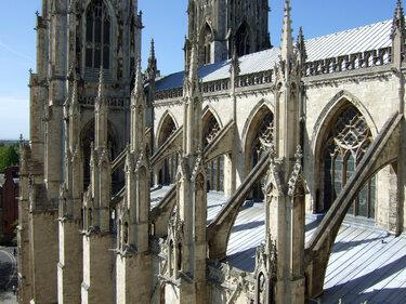 готическая архитектура аркбутан