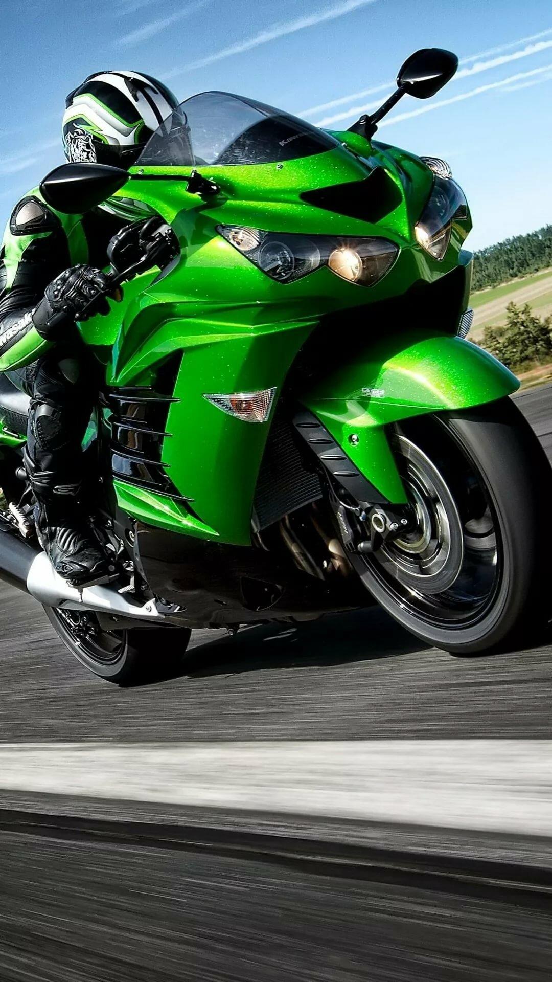 первом картинки с мотоциклами на телефон время движения повороте