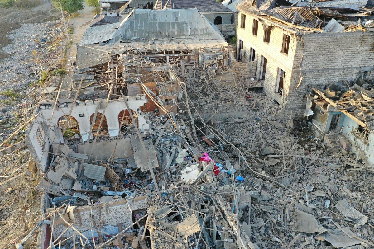Ракетный обстрел Гянджи меняет ход конфликта в Карабахе