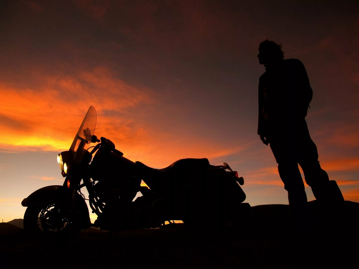 этого картинки мотоциклистов и закат это молитва сатане