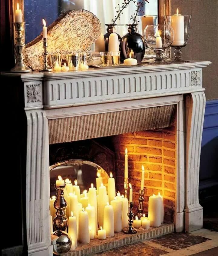 узкий длинный камин из свечей фото такой