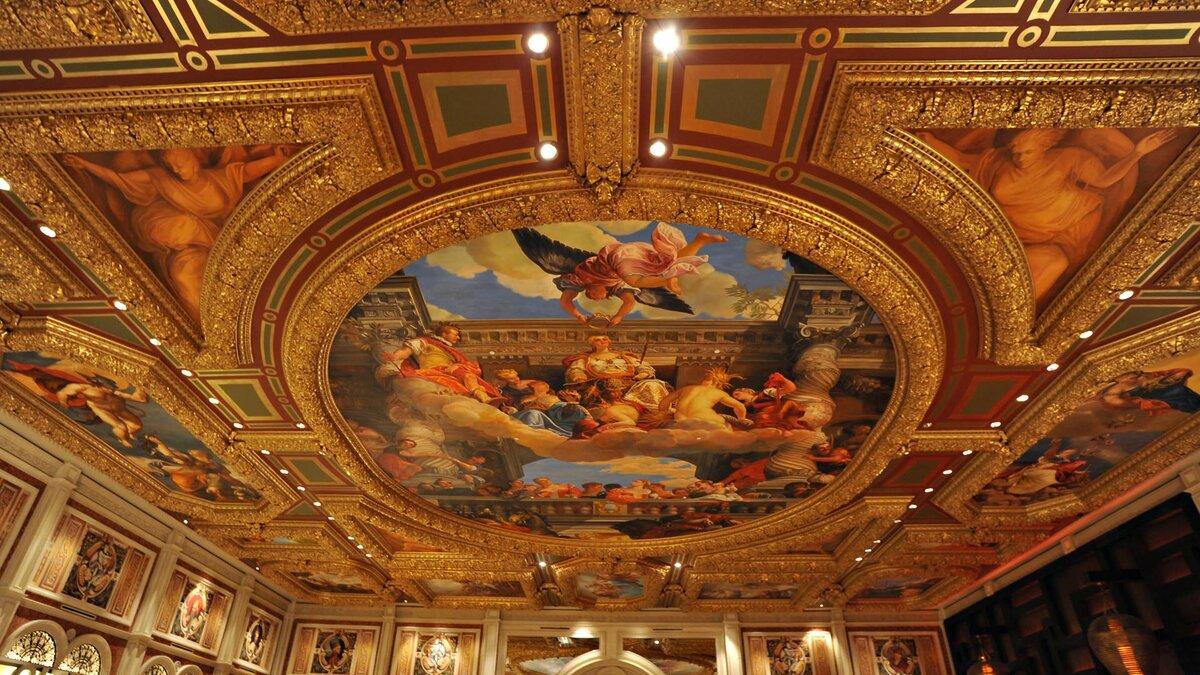 Мир в картинках потолок