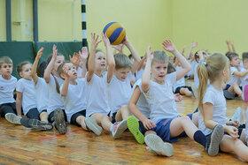 Спортивная эстафета «Веселые старты» в 1-х классах. Ноябрь, 2020