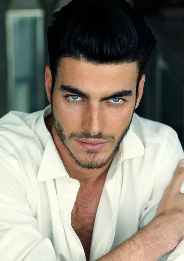 фото испанских мужчин особенности внешности белесые