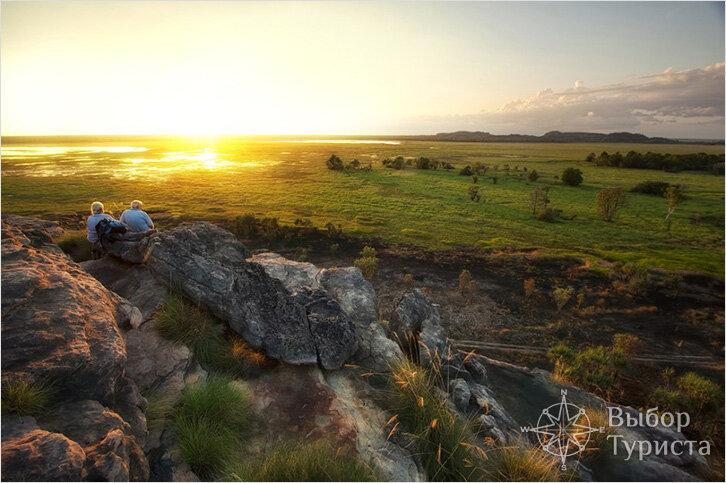 Парк Какаду.Этот парк расположен в северной тропической части австралийского континента. Как и сама Австралия парк Какаду огромен.Какаду был объявлен объектом мирового наследия и сдан в аренду, как национальный парк, на благо всего населения австралийского государства.