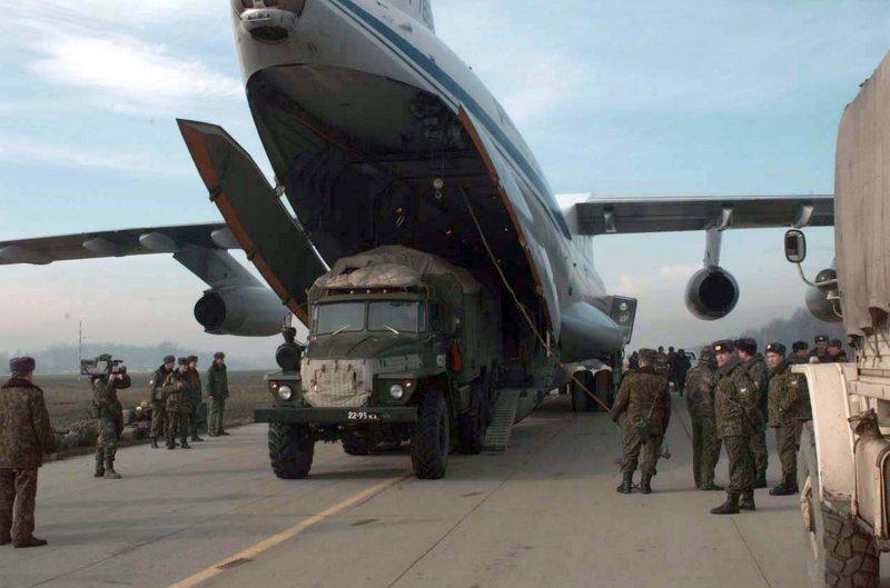 Россия перебросила под оккупированный боевиками Луганск армейскую разведку из Новосибирска - подразделения 74-ой ...