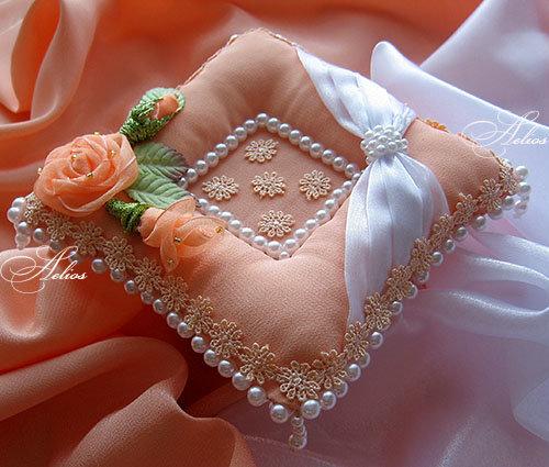Фото подушечек для колец своими руками, сумка из меха своими руками фото, гофрированная бумага поделки своими руками фото