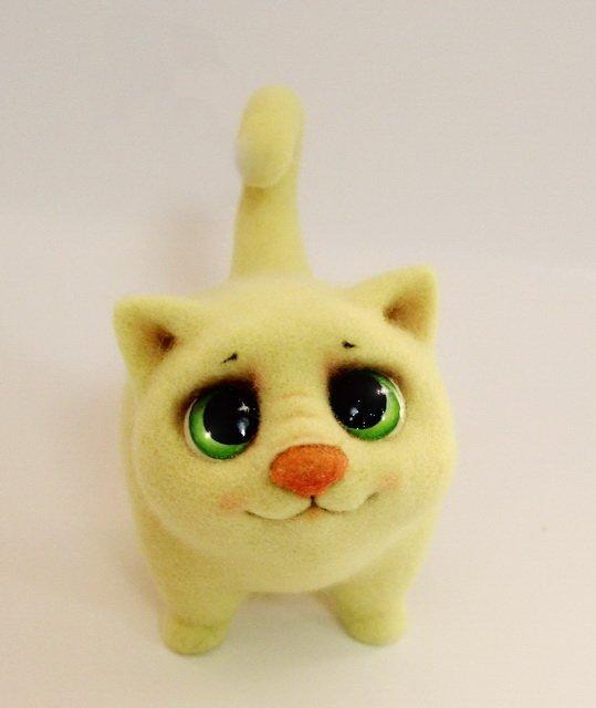 Желтый котик