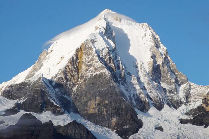 Самая высокая гора - Ерупаха (6617 м). Это вторая по высоте вершина в Перу.