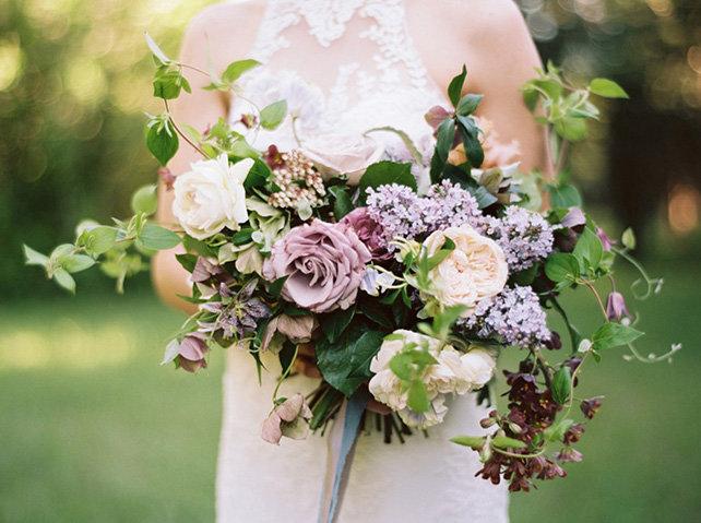 Букет невесты из сирени и ромашки, букетов