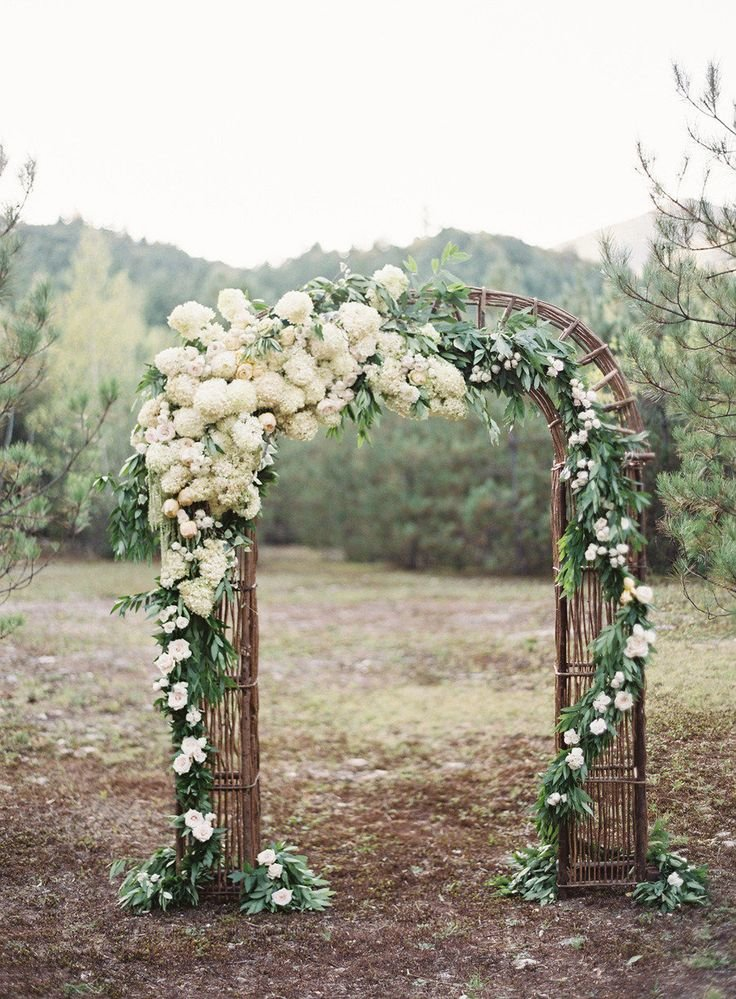 Арка на свадьбу своими руками из цветов