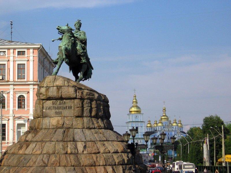 Самые конные памятники Киева