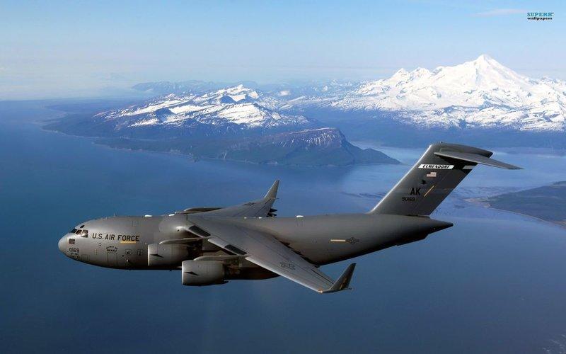 военно-транспортный самолет Boeing C-17 Globemaster II