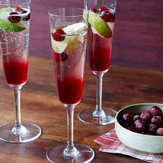 Кюквенный сок с шампанским - освежающий коктейль