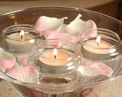 Свечи с лепестками