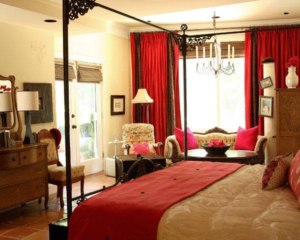 Красный цвет и интерьере спальни