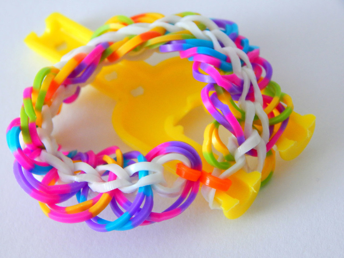 вот красивые браслеты из резинок картинки многие предпочитают шить