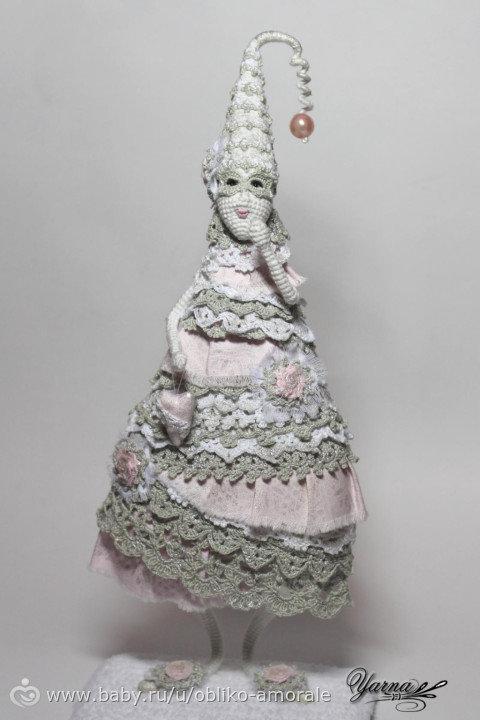 В рамках тестирования по МК http://www.baby.ru/u/pristen09/ связала Ёлку в стиле «шебби-шик». Высота 32 см, пряжа — Пехорка «