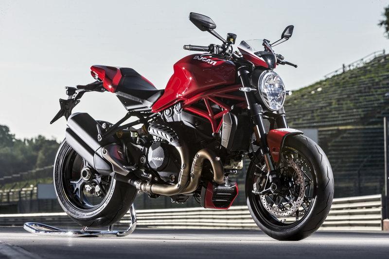 Ducati Monster 1200R - генератор адреналина