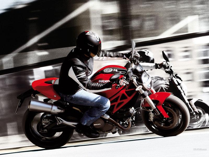 Ducati Mosnter 696