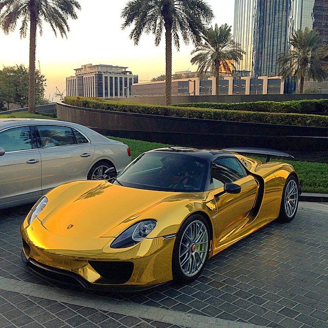 Gold-Chrome Porsche 918 Spyder
